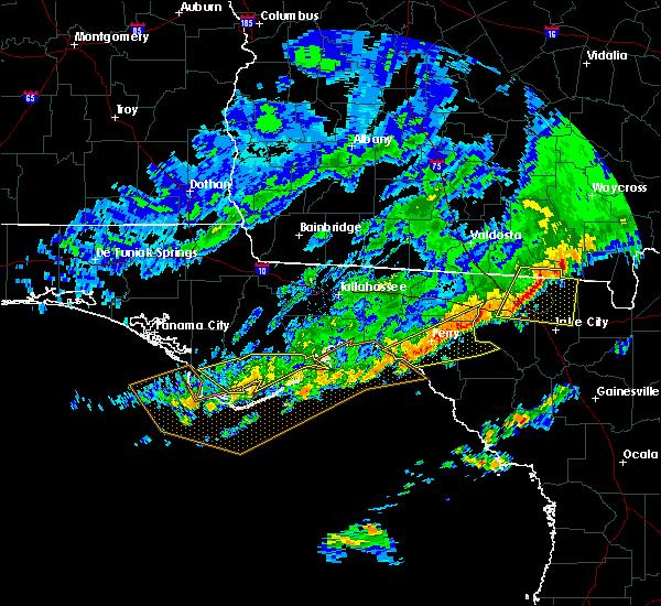 Radar Image for Severe Thunderstorms near Carrabelle, FL at 3/4/2016 12:09 AM EST