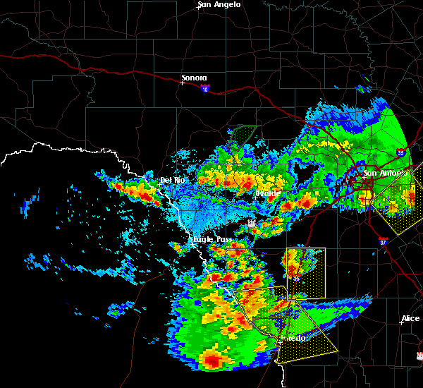 Radar Image for Severe Thunderstorms near Laredo Ranchettes, TX at 3/18/2016 8:58 PM CDT