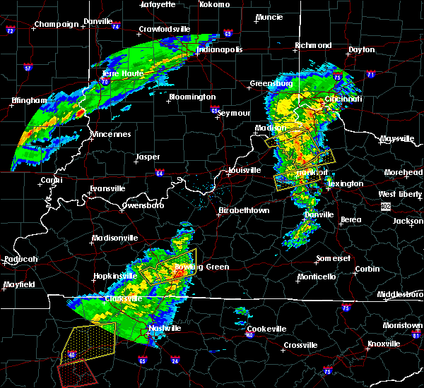 Radar Image for Severe Thunderstorms near Frankfort, KY at 3/31/2016 5:21 PM EDT