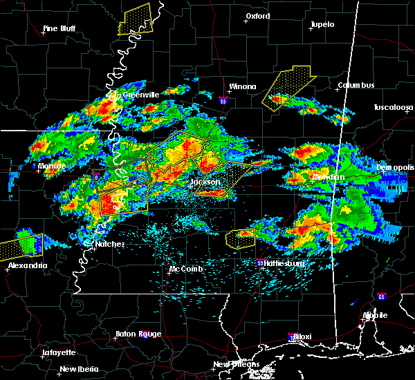 Radar Image for Severe Thunderstorms near Brandon, MS at 3/31/2016 5:20 PM CDT