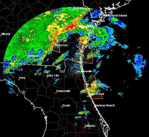 Radar Image for Severe Thunderstorms near Darien, GA at 4/1/2016 6:04 PM EDT