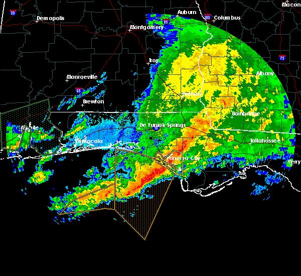 Radar Image for Severe Thunderstorms near Lynn Haven, FL at 4/1/2016 9:33 PM CDT