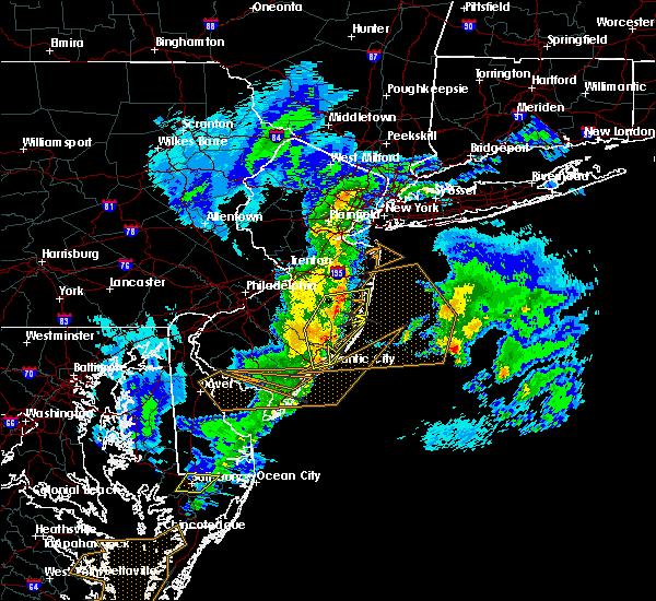 Radar Image for Severe Thunderstorms near Silver Ridge, NJ at 4/3/2016 12:39 AM EDT