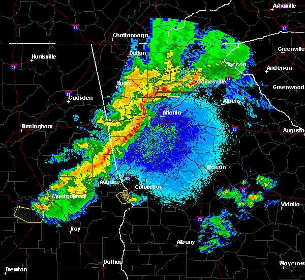 Radar Image for Severe Thunderstorms near Atlanta, GA at 4/6/2016 11:44 PM EDT