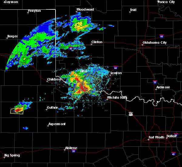 Radar Image for Severe Thunderstorms near Vernon, TX at 4/10/2016 5:56 PM CDT