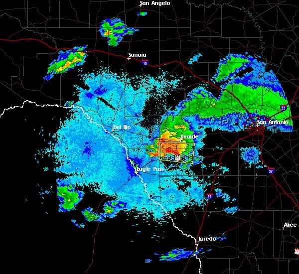 Radar Image for Severe Thunderstorms near Uvalde Estates, TX at 4/10/2016 9:42 PM CDT