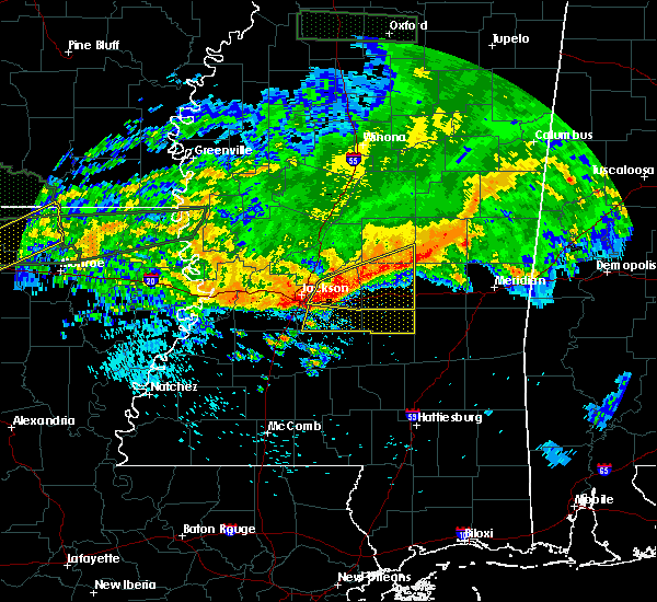 Radar Image for Severe Thunderstorms near Brandon, MS at 4/11/2016 5:41 PM CDT