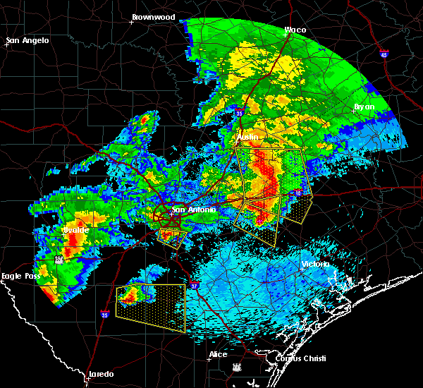 Radar Image for Severe Thunderstorms near Somerset, TX at 4/12/2016 11:19 PM CDT