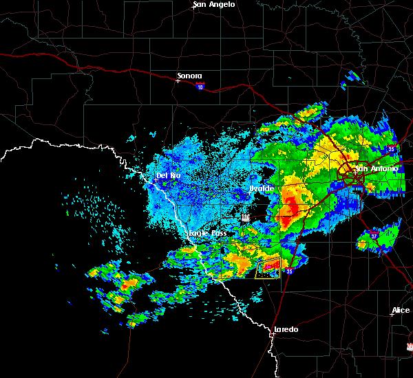 Radar Image for Severe Thunderstorms near Catarina, TX at 4/13/2016 12:04 AM CDT