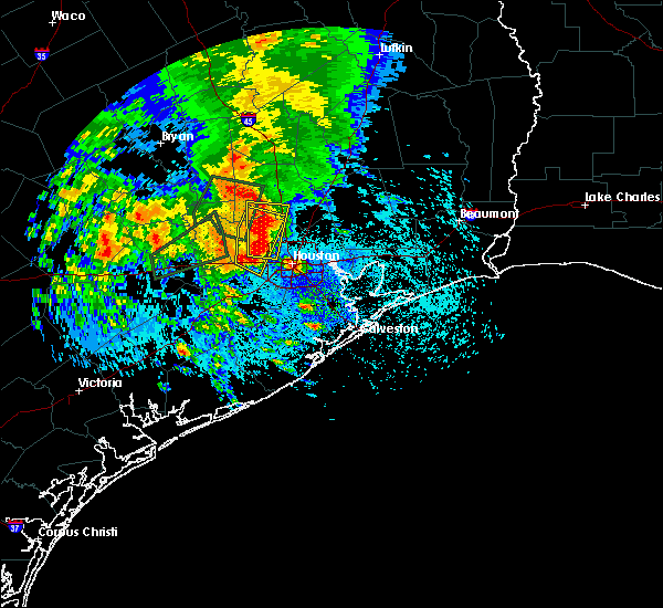 Radar Image for Severe Thunderstorms near Tomball, TX at 4/18/2016 12:00 AM CDT