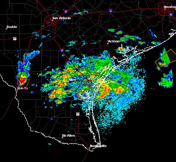 Radar Image for Severe Thunderstorms near Ranchitos Las Lomas, TX at 4/18/2016 4:36 PM CDT