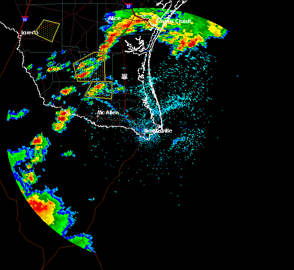 Radar Image for Severe Thunderstorms near Linn, TX at 4/18/2016 5:52 PM CDT