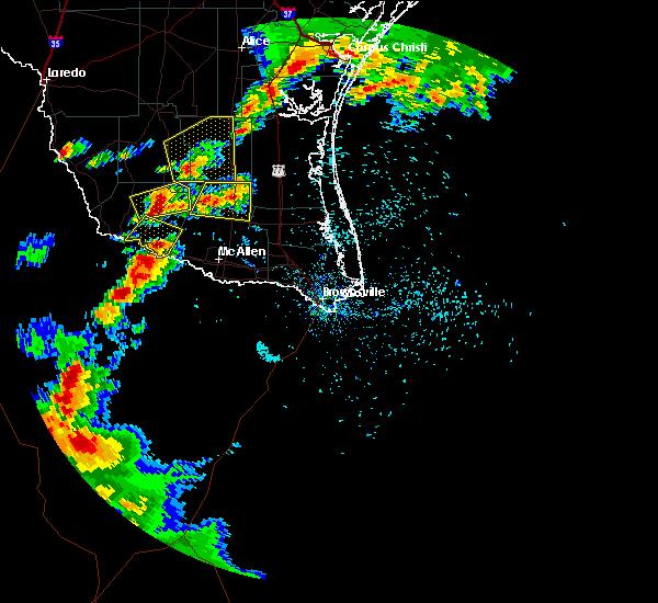 Radar Image for Severe Thunderstorms near Linn, TX at 4/18/2016 6:20 PM CDT