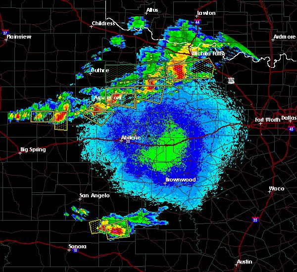 Radar Image for Severe Thunderstorms near Hamlin, TX at 4/19/2016 9:45 PM CDT