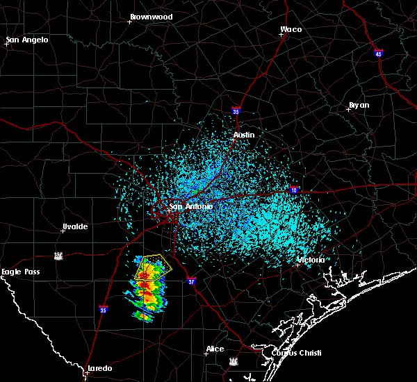 Radar Image for Severe Thunderstorms near Christine, TX at 4/25/2016 5:01 PM CDT