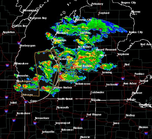 Radar Image for Severe Thunderstorms near Allegan, MI at 4/25/2016 8:50 PM EDT