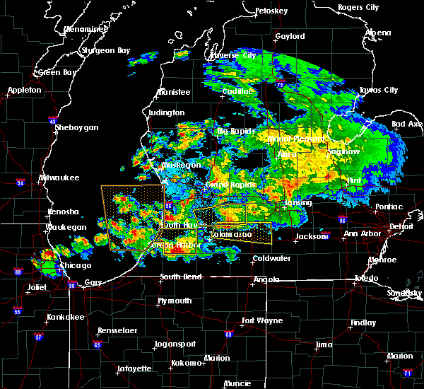Radar Image for Severe Thunderstorms near Dowling, MI at 4/25/2016 9:59 PM EDT