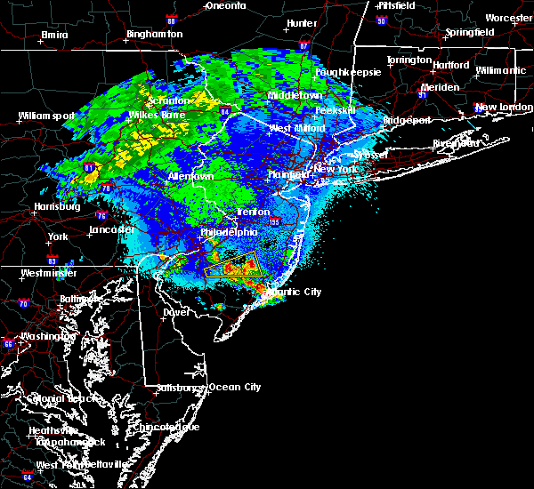 Radar Image for Severe Thunderstorms near Silver Ridge, NJ at 4/26/2016 1:25 AM EDT