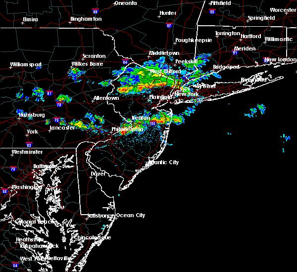 Radar Image for Severe Thunderstorms near Pemberton, NJ at 4/26/2016 3:47 PM EDT
