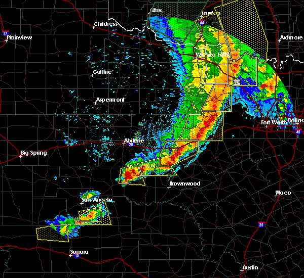 Radar Image for Severe Thunderstorms near Cross Plains, TX at 4/26/2016 8:30 PM CDT