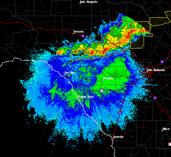 Radar Image for Severe Thunderstorms near Ingram, TX at 4/27/2016 1:15 AM CDT