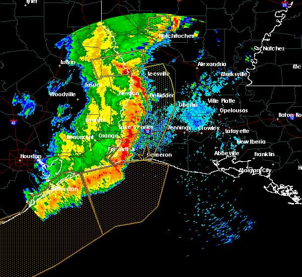 Radar Image for Severe Thunderstorms near Lake Charles, LA at 4/27/2016 7:30 AM CDT
