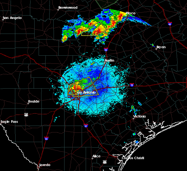 Radar Image for Severe Thunderstorms near Alamo Heights, TX at 4/29/2016 8:55 PM CDT