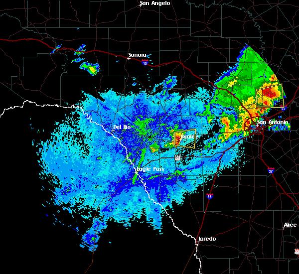Radar Image for Severe Thunderstorms near Uvalde Estates, TX at 4/30/2016 3:46 AM CDT