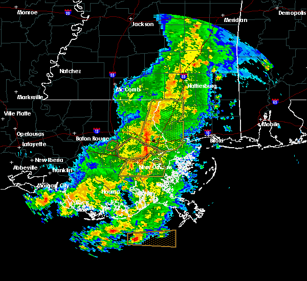 Radar Image for Severe Thunderstorms near Picayune, MS at 4/30/2016 4:03 PM CDT