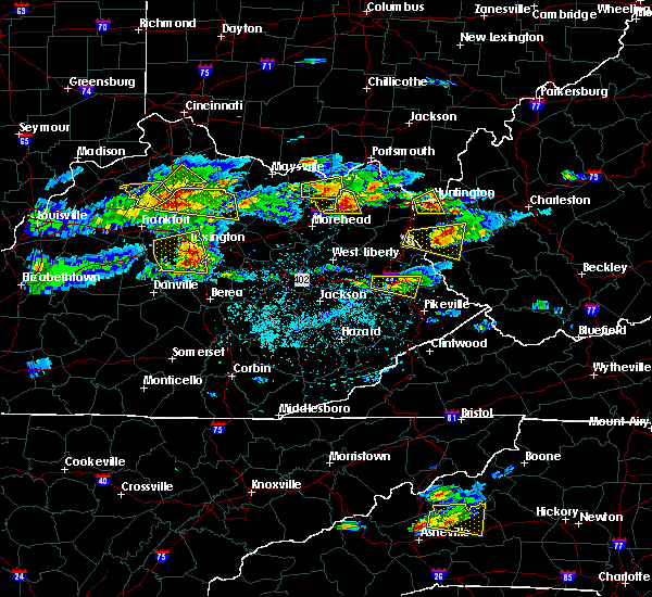 Radar Image for Severe Thunderstorms near Nicholasville, KY at 5/1/2016 4:43 PM EDT