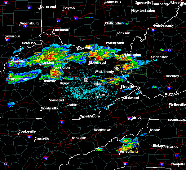 Radar Image for Severe Thunderstorms near Prestonsburg, KY at 5/1/2016 4:46 PM EDT
