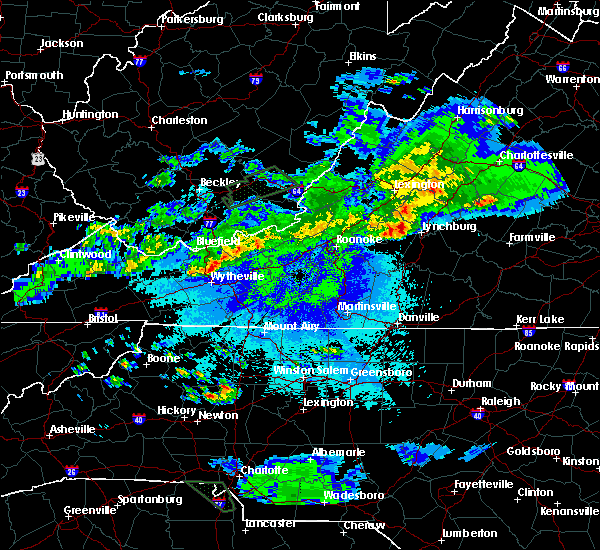 Radar Image for Severe Thunderstorms near Timberlake, VA at 5/1/2016 10:24 PM EDT