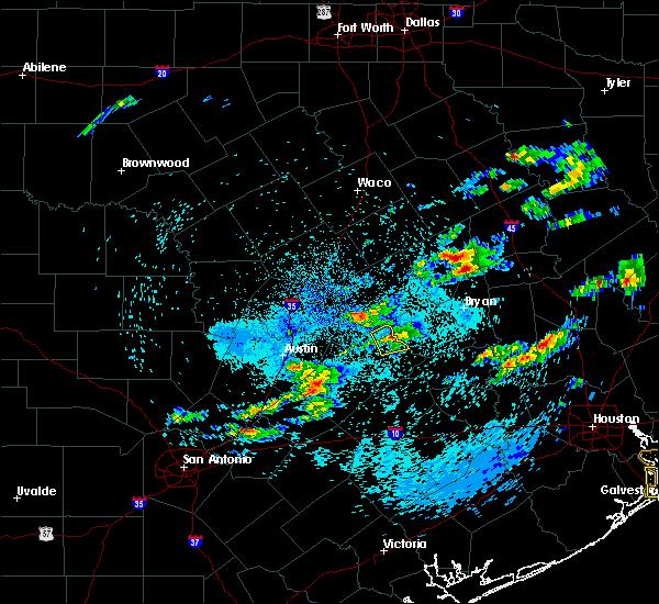 Radar Image for Severe Thunderstorms near Lexington, TX at 5/2/2016 1:09 AM CDT