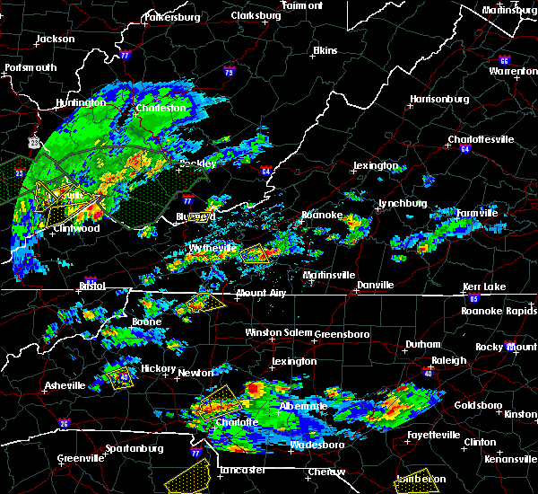 Radar Image for Severe Thunderstorms near Lowgap, NC at 5/2/2016 3:48 PM EDT