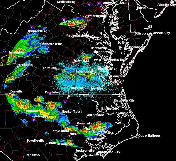 Radar Image for Severe Thunderstorms near Central Garage, VA at 5/2/2016 5:56 PM EDT