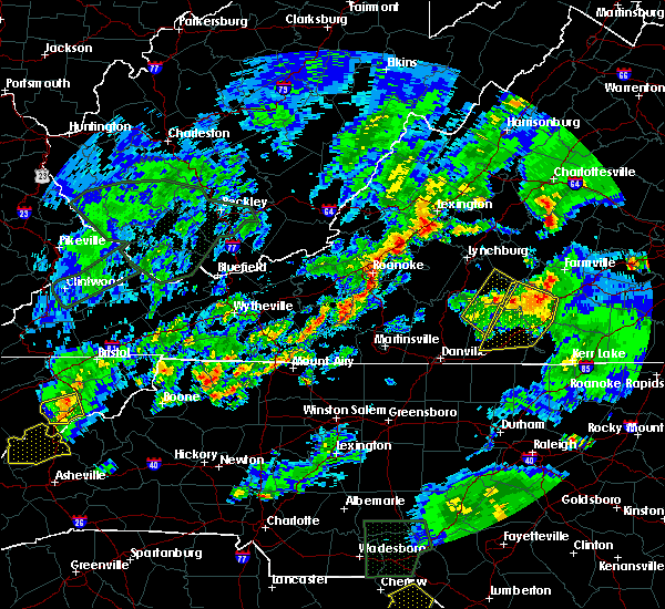 Radar Image for Severe Thunderstorms near Charlotte Court House, VA at 5/2/2016 7:23 PM EDT