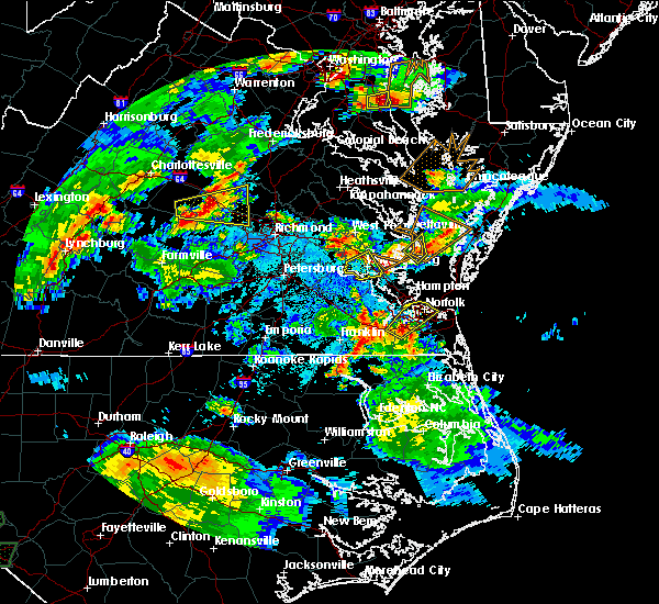 Radar Image for Severe Thunderstorms near Newport News, VA at 5/2/2016 8:19 PM EDT