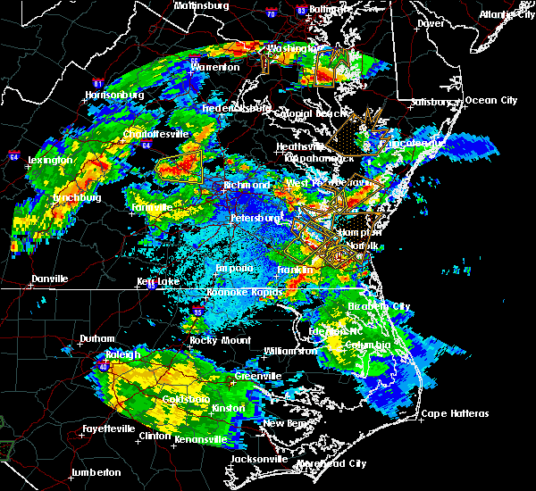 Radar Image for Severe Thunderstorms near Newport News, VA at 5/2/2016 8:35 PM EDT