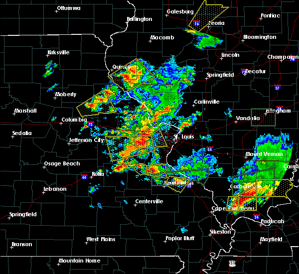Radar Image for Severe Thunderstorms near Frontenac, MO at 5/11/2016 8:00 PM CDT