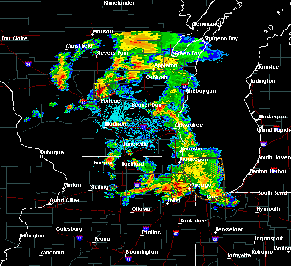 Radar Image for Severe Thunderstorms near Endeavor, WI at 5/25/2016 6:23 PM CDT