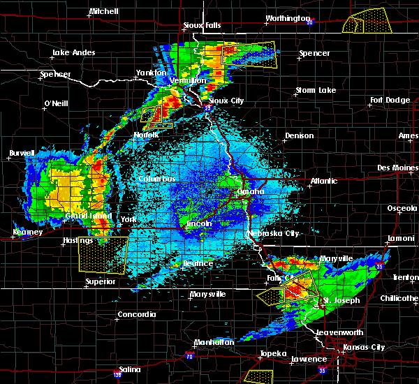 Radar Image for Severe Thunderstorms near Wayne, NE at 5/25/2016 11:30 PM CDT