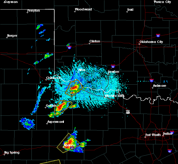 Radar Image for Severe Thunderstorms near Vernon, TX at 5/26/2016 6:35 PM CDT