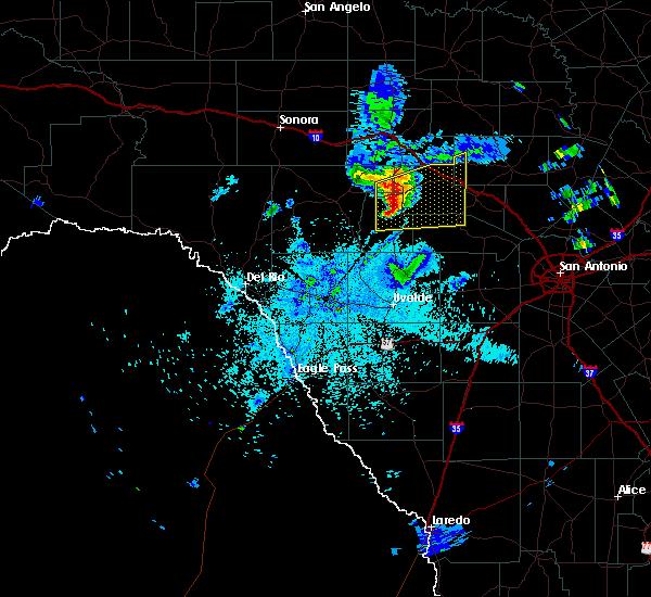 Radar Image for Severe Thunderstorms near Ingram, TX at 5/26/2016 9:29 PM CDT