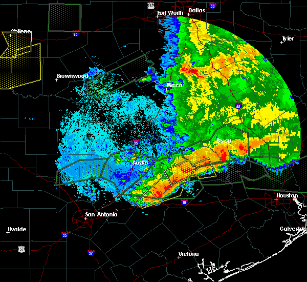 Radar Image for Severe Thunderstorms near Giddings, TX at 5/27/2016 2:10 AM CDT