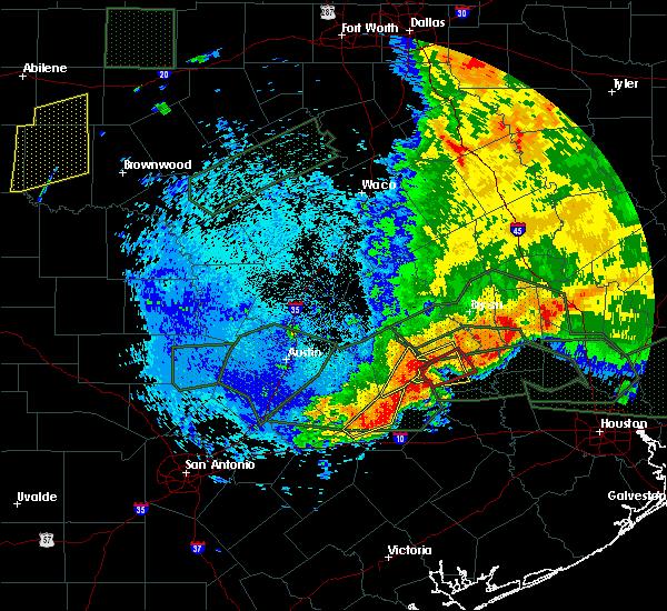 Radar Image for Severe Thunderstorms near Giddings, TX at 5/27/2016 2:40 AM CDT
