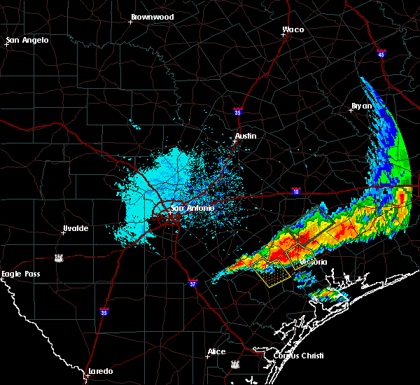 Radar Image for Severe Thunderstorms near Goliad, TX at 5/27/2016 6:36 PM CDT