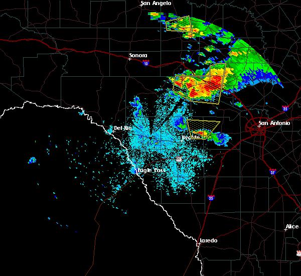 Radar Image for Severe Thunderstorms near Ingram, TX at 5/28/2016 9:25 PM CDT