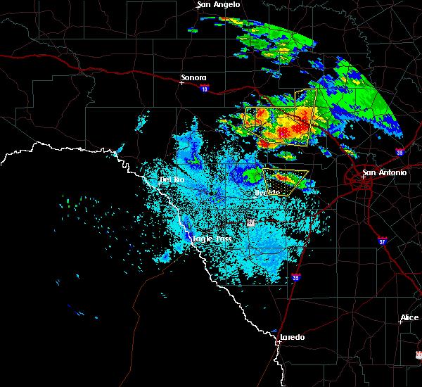 Radar Image for Severe Thunderstorms near Ingram, TX at 5/28/2016 9:47 PM CDT