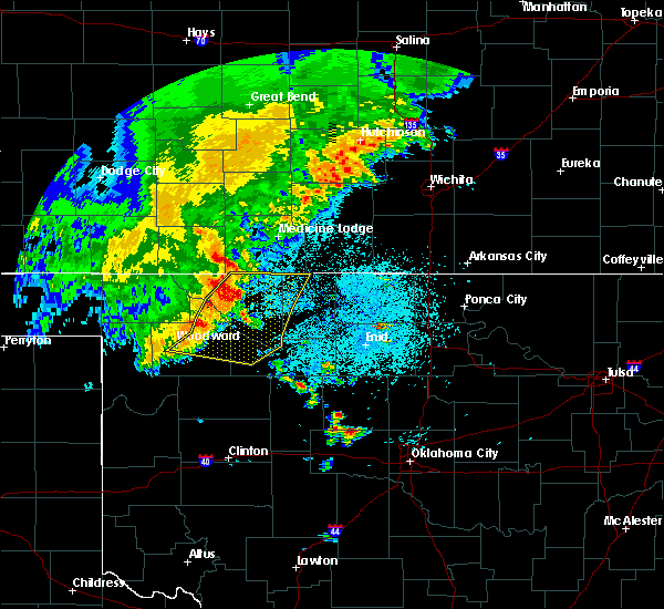 Radar Image for Severe Thunderstorms near Woodward, OK at 5/31/2016 4:32 AM CDT