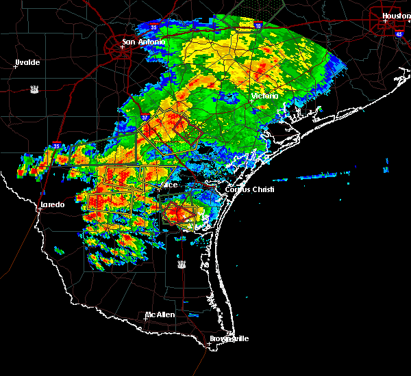 Radar Image for Severe Thunderstorms near Kingsville, TX at 5/31/2016 6:36 PM CDT